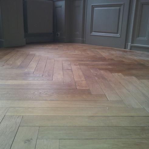 pon age de parquet et d 39 escalier soci t ac2l parquets besan on. Black Bedroom Furniture Sets. Home Design Ideas